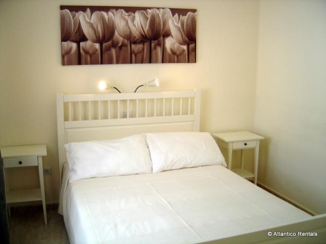 Bedroom with double bed - Las Palmeras II Complex, Puerto del Carmen, Lanzarote